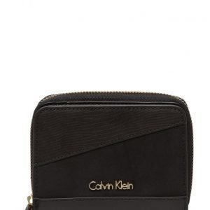 Calvin Klein Ray Medium Wallet 00 lompakko