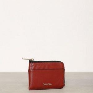 Calvin Klein Sarah Pouch Card Holder Lompakko Henna
