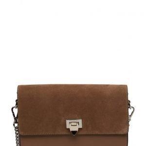 Decadent Medium Satchel Bag W/Buckle And Chain pikkulaukku