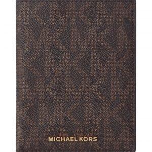 Michael Kors Giftables Matkalahjasetti
