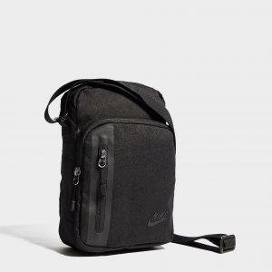 Nike Core Small Crossbody Bag Olkalaukku Musta