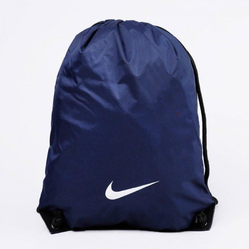 Nike Fundamentals Swoosh